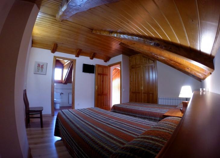 habitacio doble II + bany